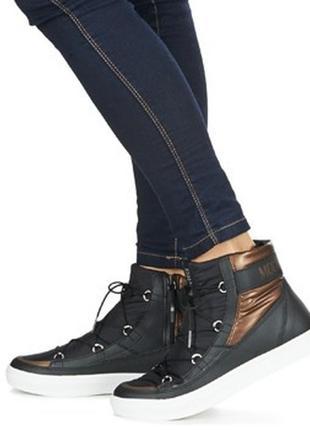 Черные зимние ботинки  tecnica moon boot the original