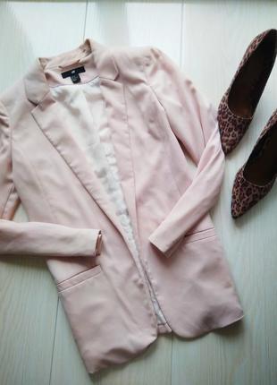 Классический пудровый пиджак
