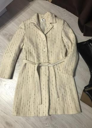 Пальто женское шерстяное демисезонное.