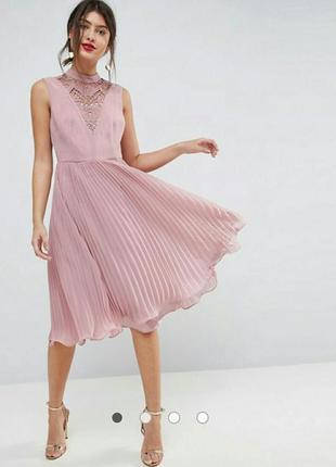 Платье миди с кружевом и плиссированной юбкой asos