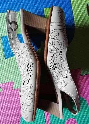 Стильные женские кожаные босоножки alpina 37-4.5н размер 24см стелька
