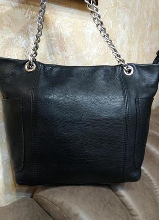 Интересная кожаная сумка valentinа италия
