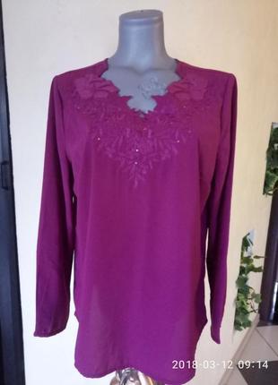 Блуза с вышивкой,аппликацией и пайетками,батал