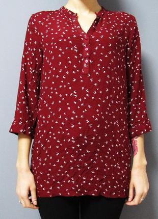 Легкая бордовая рубашка с ласточками