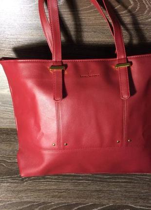 Красная сумка с длинными ручками