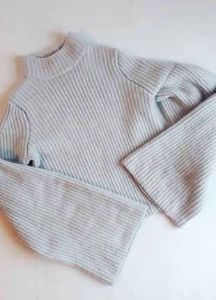 Тёплый свитер рукава клёш фирма h&m xs/s