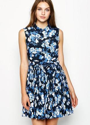 Платье верх рубашечного стиля, а юбка плиссе