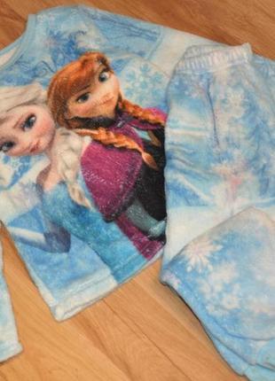 Тепленькая пижамка на девочку