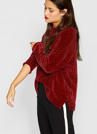 Стильный свитер гранатового цвета