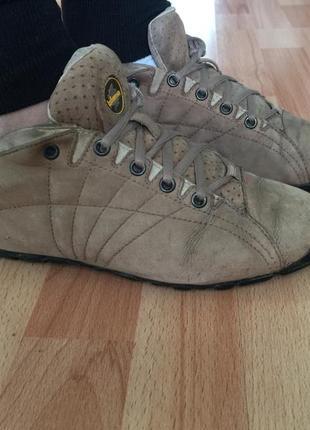 Ботинки/кроссовки от бренда lafuma /vibram.полностью натуральная кожа