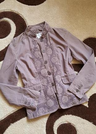 Крутой пиджак жакет с вышивкой