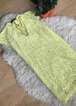 Новое платье от zara с v-образным вырезов кружевное