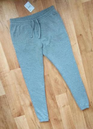 Мужские новые осеене зимние спортивные штаны с бирками. привезены из польши.m.l.размеры