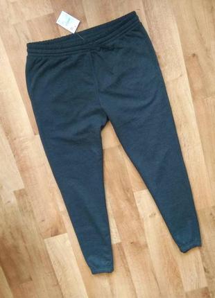 Мужские спортивные штаны  с бирками, привезены из польши. тёплые. л размера.