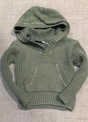 Стильный свитер с капюшоном