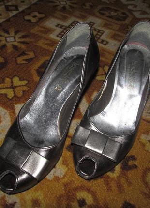 Босоножки . туфли с открытым носком.