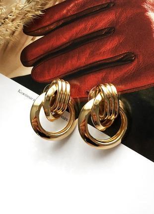 Новые красивые серьги золотистого цвета