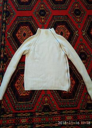 Молочный тёплый свитер со змейкой
