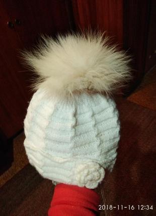 Зимняя шапочка с натуральным меховым помпоном