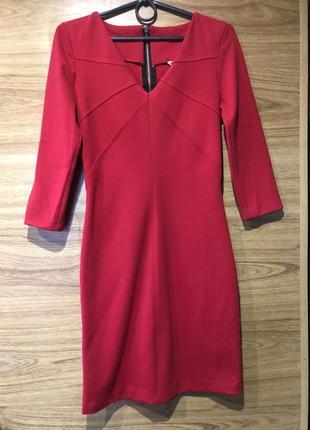 Красное платье осеннее тёплое