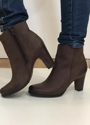 Ботинки ecco стелька 27 см на среднем каблуке
