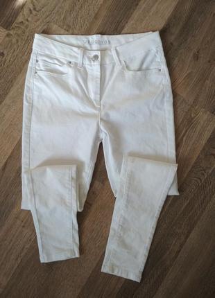 Белые джинсы джеггинсы от marks & spencer