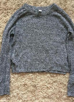 Укороченный  свитер с разрезами по бокам