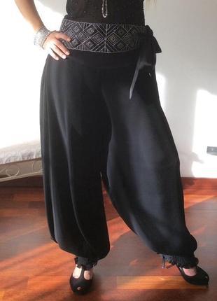 Вечерние брюки плесировка, чёрного цвета