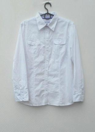 Белая классическая хлопковая рубашка с воротником с длинным рукавом
