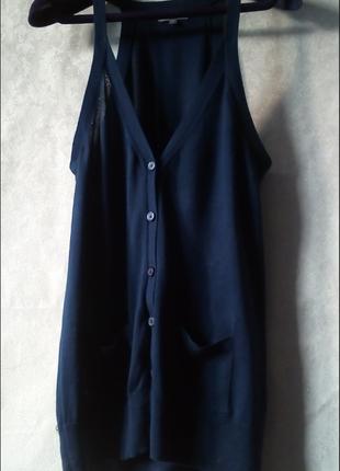 Удлиненный жилет на пуговицах с карманами