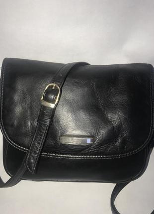 Кожаная сумка через плечо. стиль кросс боди