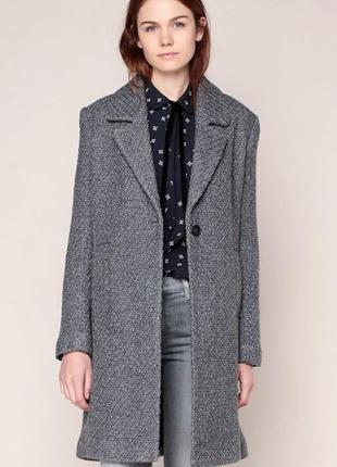 Стильное шерстяное (44%шерсть) пальто