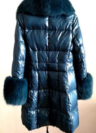 Женский зимний длинный пуховик приталенный с мехом чернобурки без капюшона италия xs-s
