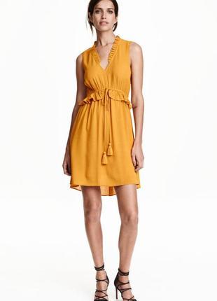 Платье горчичного цвета с v-образным вырезом h&m p.36