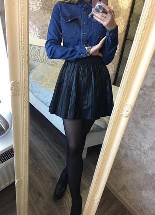 Плиссированная юбка кожзам