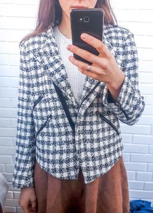 Твидовая хлопковая косуха zara в клетку жакет пиджак