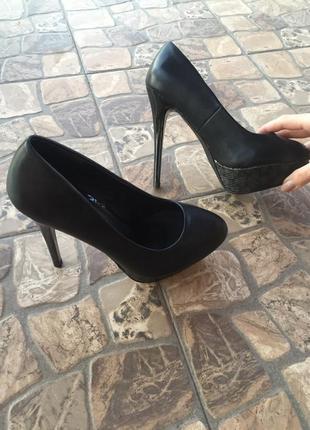 Красивенные туфли на шпильке