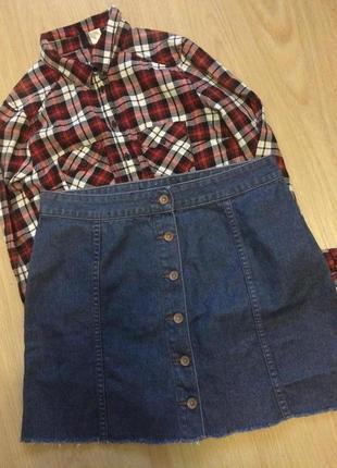 Хит сезона ,джинсовая юбка трапеция на пуговках р.м-л