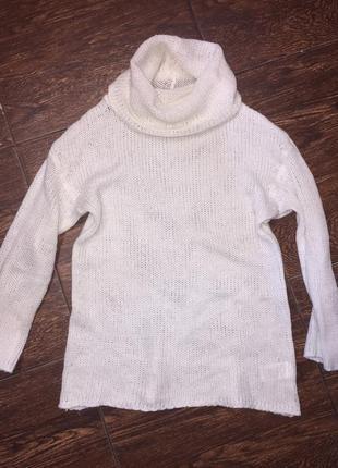 Шерстяной молочный вязаный свитер