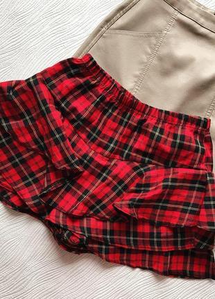 Красная клетчатая юбка-шорты