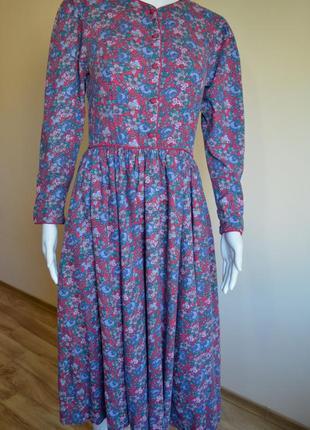 Платье laura ashley яркого цвета(см фото)