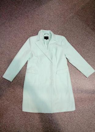 Шикарное пальто мятного цвета