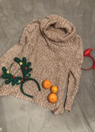 Тёплый свитер с горловиной оверсайз