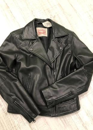 Кожаная косуха куртка