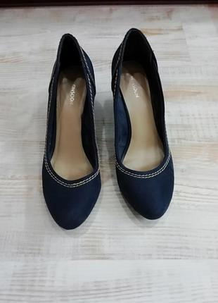 Темно-синие туфли на танкетке / стелька 25,5 см