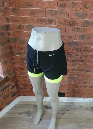 Сучасні спортивні шорти з лосинами nike