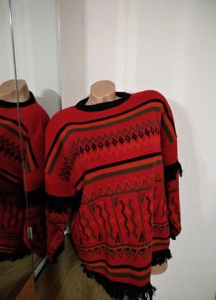 Теплый свитер с этно узорами в стиле бохо