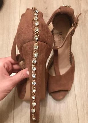 Босоножки на каблуке туфли коричневые высокий каблук