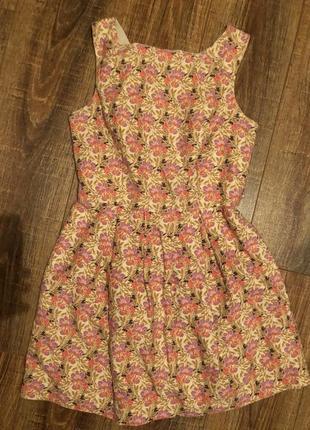 Милый сарафан в цветочки платье