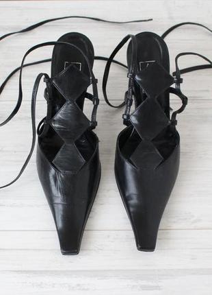 Шикарные элегантные босоножки с закрытым передком на шнуровке, пр-во италия
